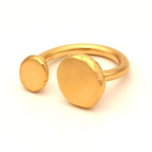 טבעתעלמה ואמה